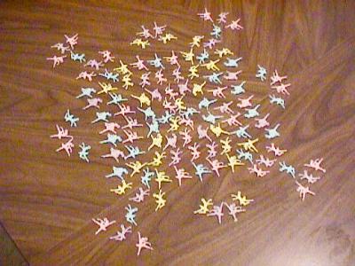 http://www.ludism.org/scpix/20030222/15_ballerinas.jpg