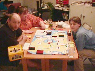 http://www.ludism.org/scpix/20030329/10_arcana_players.jpg