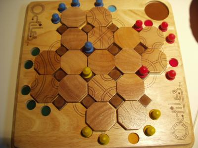 http://www.ludism.org/scpix/20040110/06_octiles_board.jpg
