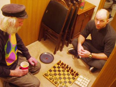 http://www.ludism.org/scpix/20040228/03_chess.jpg